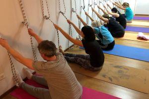 Йога на веревках