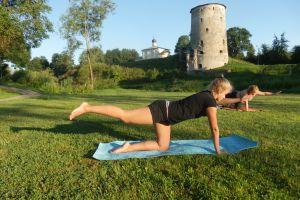 Утренняя йога в Финском парке